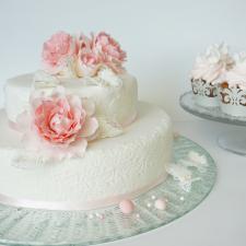 Vestuvinis tortas ir keksiukai